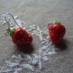 Boucles d'oreilles fraises.