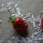 Boucles d'oreilles fraise.